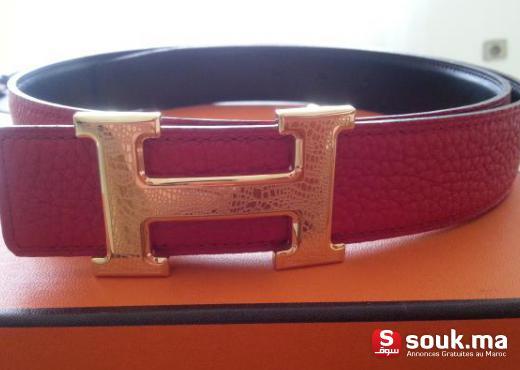 Salut tous, je mets en vente une très très belle ceinture hermes pour femme.  cuir très souple et reversible (rouge hermes vif   noir) et toute neuve.  boucle ... be0bce09c78