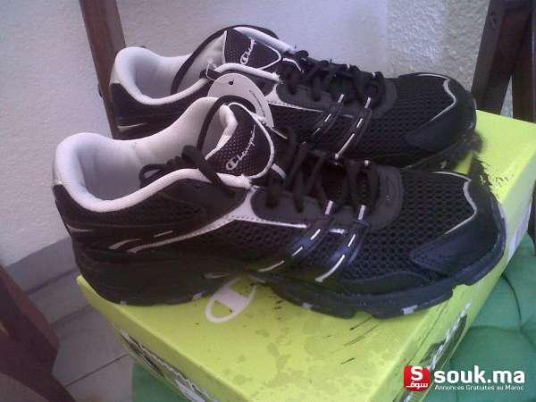 15eb7e6c65427 Belle paire de chaussure de sport neuve pour femme marque CHAMPION importée  du CANADA taille 40 1 2