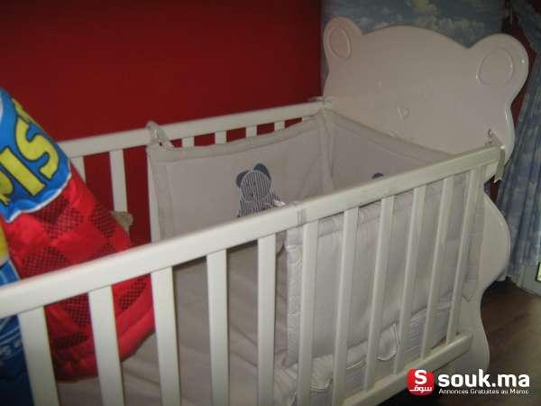 vente lit b b barreaux matelas socle ciel de lit casablanca souk ma. Black Bedroom Furniture Sets. Home Design Ideas