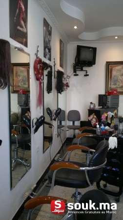 Location d 39 un salon de coiffure et d 39 esth tique pour femme for Local a louer pour salon de coiffure