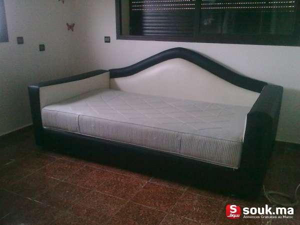 canap lit vendre casablanca souk ma. Black Bedroom Furniture Sets. Home Design Ideas