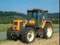 tracteur jaune renault 6 cylindres en bon état